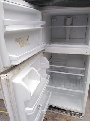 Whirlpool fridge for sale only $100 for Sale in Orlando, FL