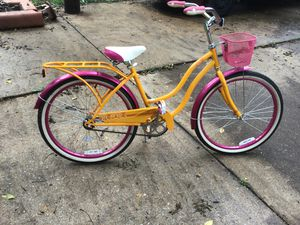 Schwinn girls bike for Sale in Roxana, IL