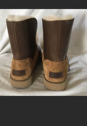 Uggs size 5 for Sale in Chicago, IL