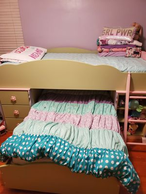 Ashley dollhouse bunk bed (loft bed) for Sale in Whittier, CA