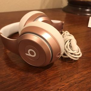 Beats solo 3s/Trade for PS4 for Sale in Alexandria, VA