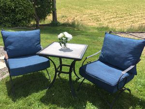 Outdoor patio furniture chairs and table set for Sale in Monroe, WA
