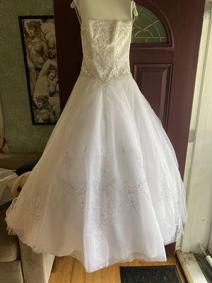 Wedding Dress (David's Bridal) Size 4 for Sale in Alexandria, VA