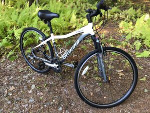 Womens Specialized Bike Ariel Hybrid 700c Bicycle w Lockout Shocks - Adult for Sale in Lancaster, MA