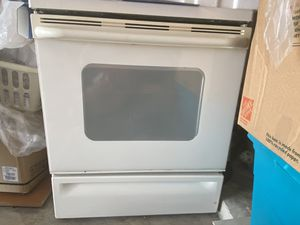 GE Appliances Stove and Microwave for Sale in Lake Worth, FL