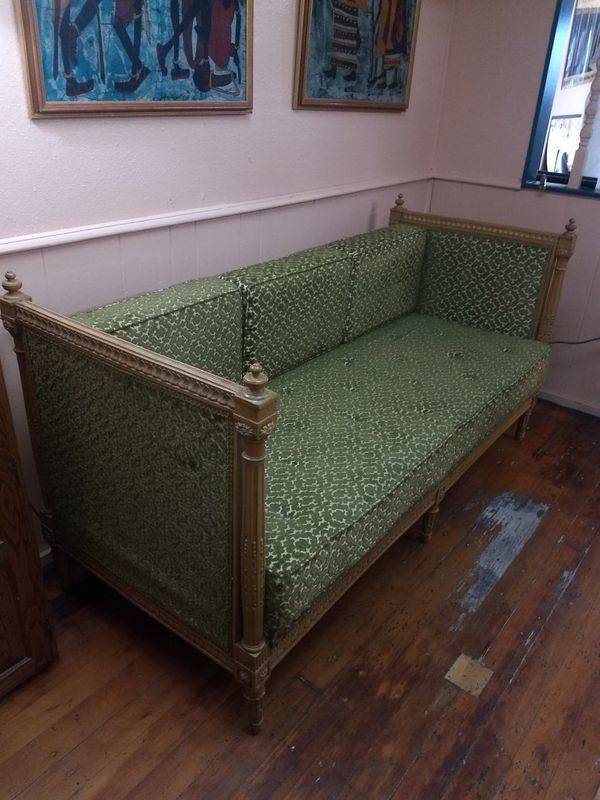 1940s antique couch in beautiful condition
