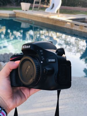 Nikon D5100 KIT with TWO lenses and additional accessories for Sale in Cerritos, CA