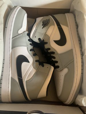 Air Jordan 1 mid smoke grey size 11.5 for Sale in San Fernando, CA