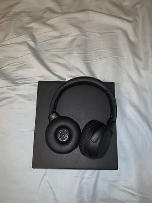 Sony Headphones WH-XB700 - No Original Charger for Sale in Las Vegas, NV
