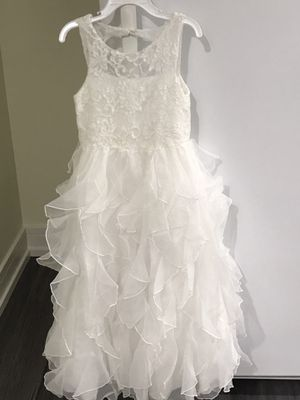 Flower girl dress size 4 5 for Sale in Chicago, IL