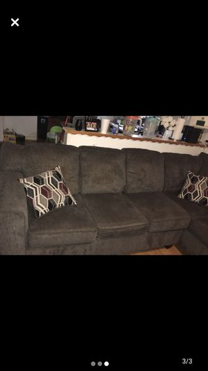 Sectional couch *sectional couch brand new had for one month* for Sale in Thonotosassa, FL