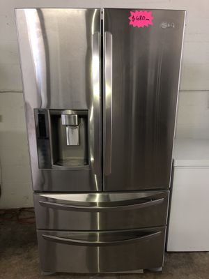 "LG REFRIGERATOR 36"" Works great and warranty for 3 month Funcionando bien y garantía de 3 meses Delivery and installation available for Sale in Medley, FL"