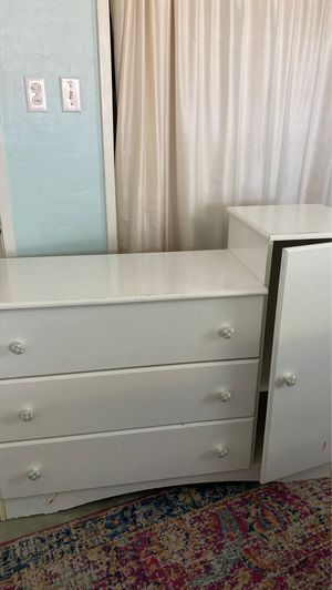 Dresser/baby changing table for Sale in Phoenix, AZ