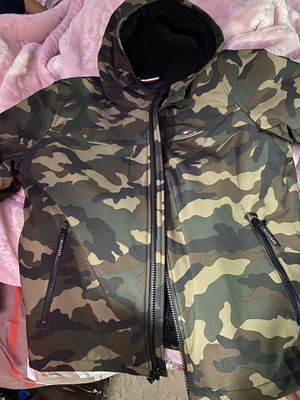 Tommy Hilfiger camouflage jacket/coat New (L) for Sale in The Bronx, NY