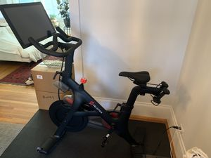 January 2019 Peloton - practically new - 2100 OBO for Sale in San Francisco, CA