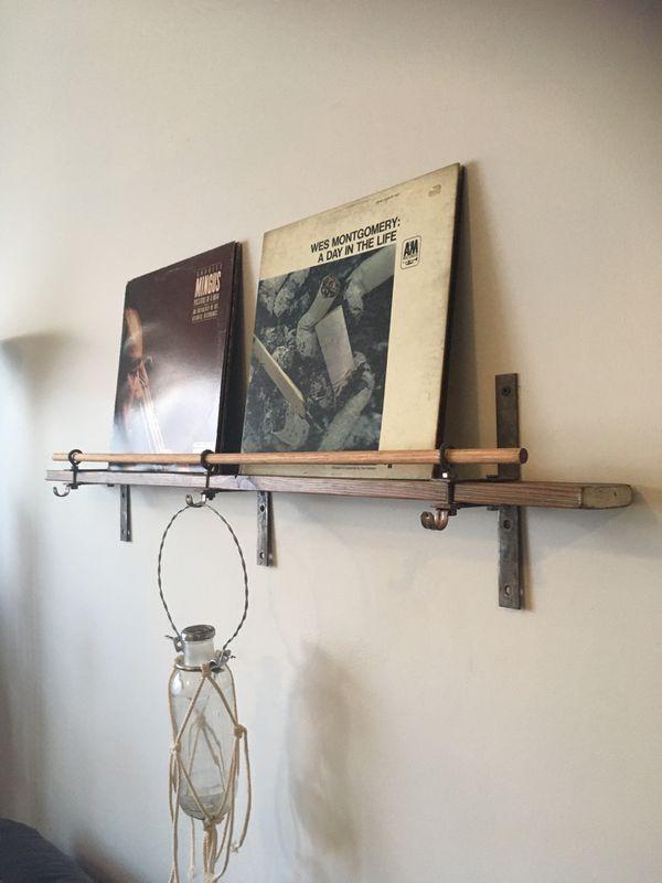 Handmade 2 LPs Display Wall Shelf with Flower / Plant Vase