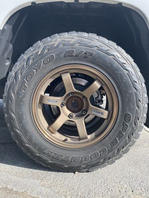 Toyo Open County Tires Only LT 285/75R18 for Sale in Claremont, CA