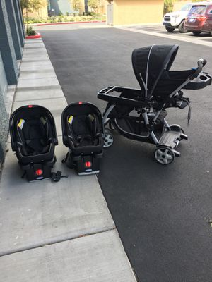 Graco infant car seats & Graco twin stroller for Sale in Las Vegas, NV