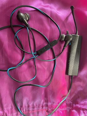 Bose QuietComfort 20 Noise Cancelling In-ear headphones for Sale in Carpentersville, IL