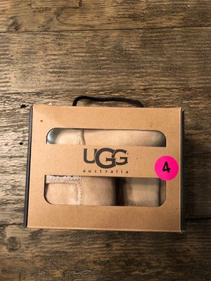 UGG infant boots for sale! for Sale in Glendale, AZ