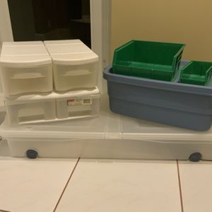 Rubbermaid containers, totes, storage drawers, organization - $15 for all or best offer - Weston for Sale in Weston, FL