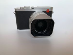 Used Leica Q (Typ 116) Compact Digital Camera, 24MP Full Frame Sensor, Summilux 28 mm/f1.7 ASPH lens for Sale in Los Angeles, CA