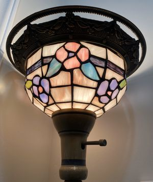 """72"""" Tall Tiffany Style Floral Stained Glass Metal Pole Pedestal Working Torchiere Floor Standing Lamp for Sale in Chapel Hill, NC"""