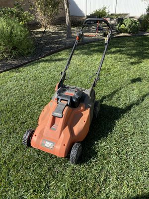 Black and Decker Cordless Battery Powered Mower for Sale in Corona, CA