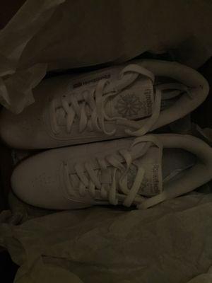 Princess white Reebok women shoes size 8,5 for Sale in Boston, MA
