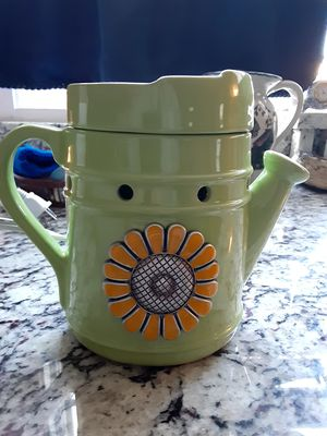 New Scentsy Green Thumb warmer for Sale in Worcester, MA