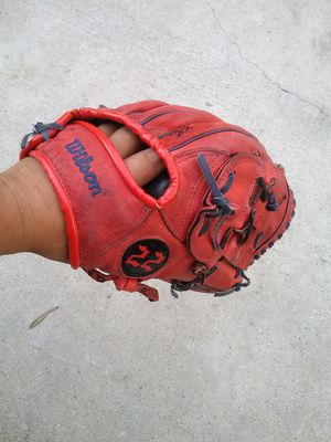 Wilson baseball GLOVE for Sale in La Puente, CA