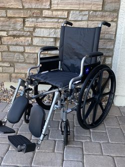 Medline Medical Wheelchairs with Elevating Calf Rest 18 inch width - BRAND NEW for Sale in Peoria,  AZ
