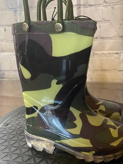 New Toddler Rain Boots Camouflage Size 5 for Sale in Orlando,  FL