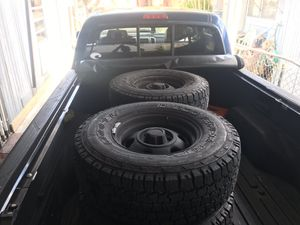 Jeep Wrangler wheels and tires ( trade ) for Sale in Miami, FL