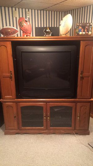 Solid oak entertainment cabinet for Sale in Pittsburgh, PA