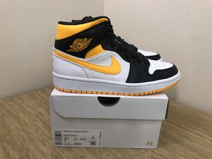 Jordan 1 Mid Size 7.5W for Sale in Springfield, VA