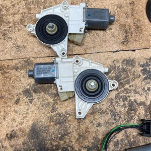 mercedes 2006-2014 window motor left and right for Sale in Fontana, CA