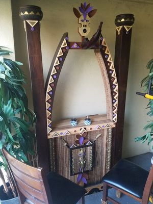 Tiki bar, two bar stools, and two artificial plants. for Sale in Orlando, FL