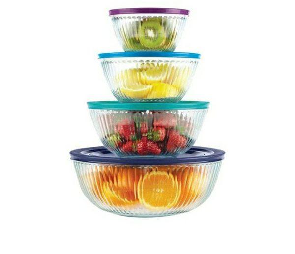 Pyrex 8 PC. 4 glass bowls with lids