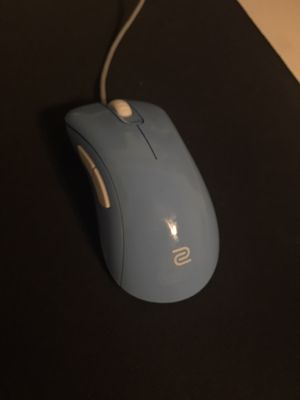BenQ Zowie EC2-B Divina, Clean, Fairly used, Original Box, Extra Feet skated for Sale in Corona, CA