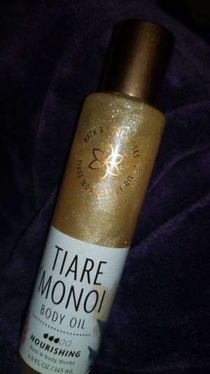 Bath and bodyworks body oil glitter for Sale in Phoenix, AZ