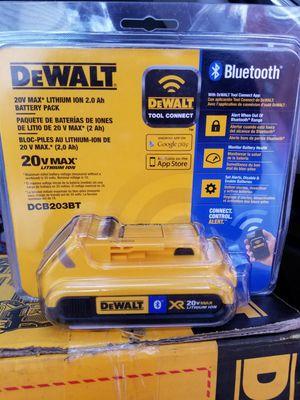 dewalt dcb204bt 20-volt max* 4ah lithium-ion battery with bluetooth for Sale in Detroit, MI