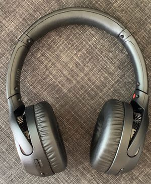 Sony - WH-XB700 Wireless On-Ear Headphones 🎧 for Sale in Houston, TX