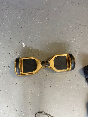 Chrome gold hoverboard, led lights and speaker, charger included for Sale in Aldie, VA