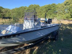 Fishing bay boat for Sale in Universal City, TX