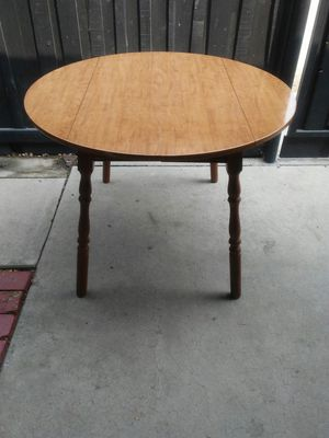 Space saver drop leaf kitchen table $50 firm pick up only in Bakersfield serious buyers only no holds for Sale in Bakersfield, CA