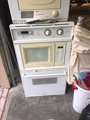 "Oven / microwave combo . Whirlpool 27""w. Works fine. for Sale in Portland, OR"