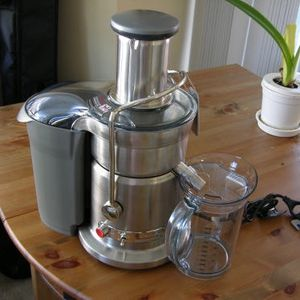 Breville Elite Brand New Fountain Juicer - Retail Price is $300 for Sale in Las Vegas, NV