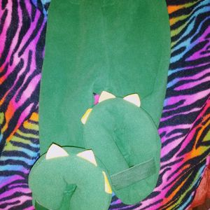 Baby Costume 6 To 1 Year Old Cozy Pants And Dino Chomper Tooth Head Piece for Sale in Oak Lawn, IL