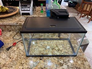 DEEP CLEANED 5 Gal. aquarium with lid, filter, & light! for Sale in Davidsonville, MD